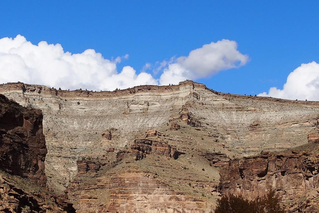 Green cliffs spread wide