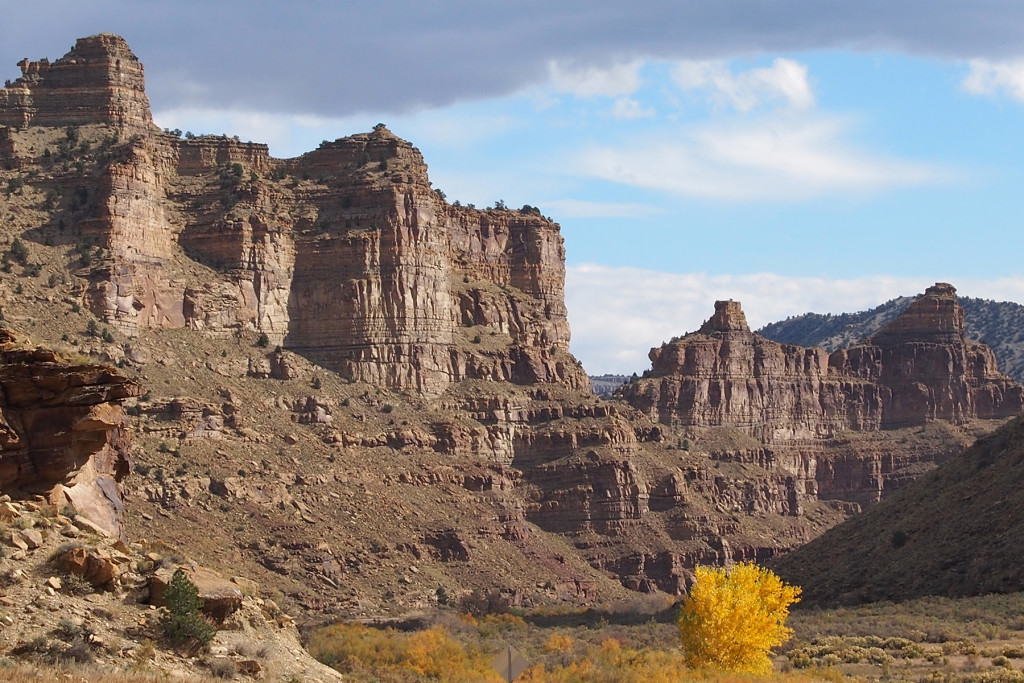 Cliff formations in 9 Mile Canyon